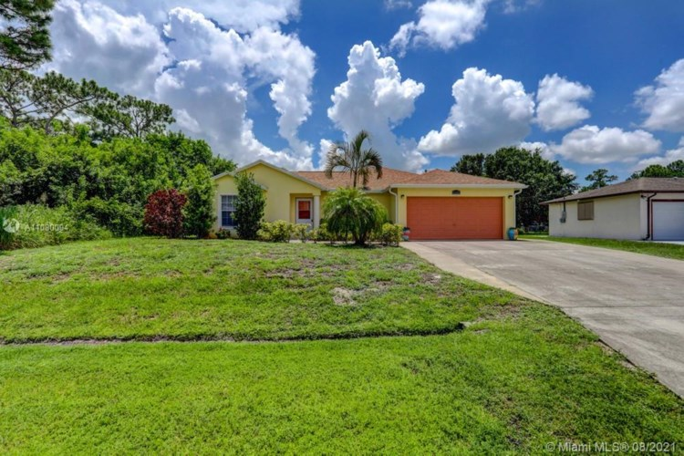918 SW Longfellow Road  #918, Port St. Lucie, FL 34953