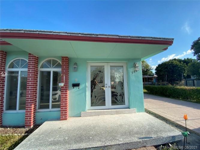 3421 SW 4th St, Miami, FL 33135