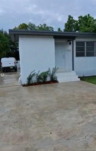 1355 NW 130th St, North Miami, FL 33167
