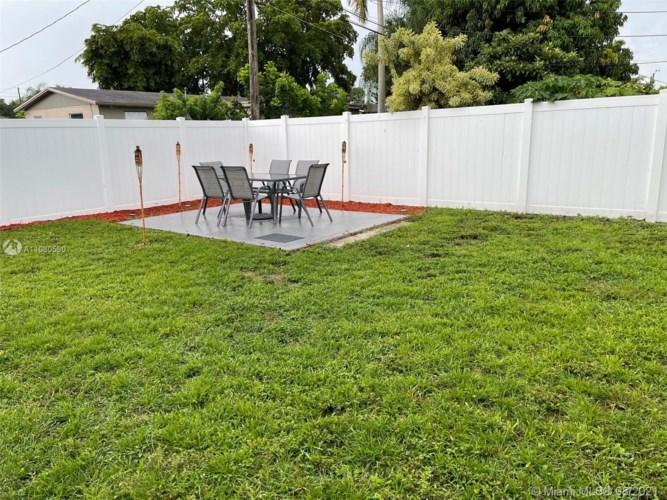 320 N 71st Av, Hollywood, FL 33024