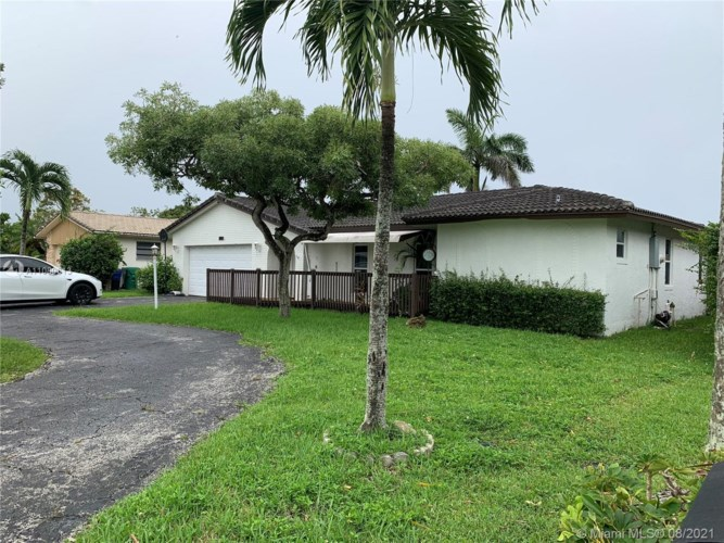 1865 NW 85th Ln, Coral Springs, FL 33071