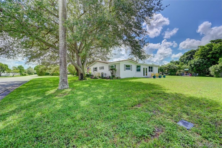 3690 NW 100th Ave, Coral Springs, FL 33065