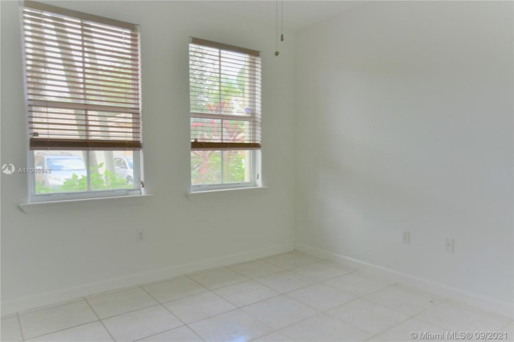 11020 NW 48th Ter, Doral, FL 33178