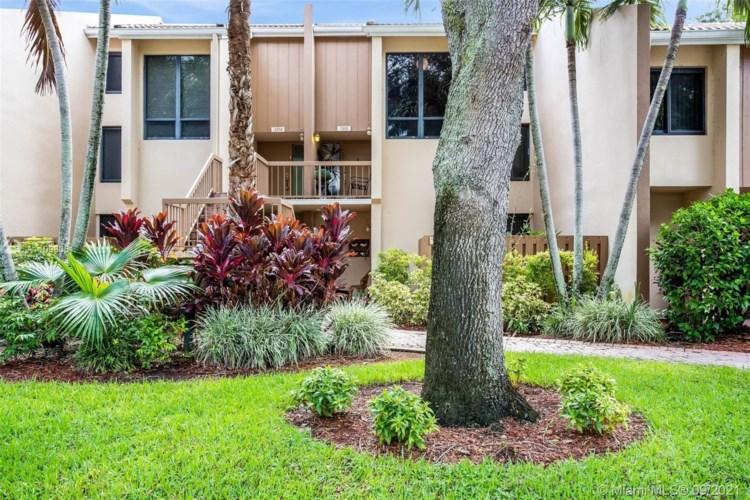 3305 Bridgewood Dr, Boca Raton, FL 33434