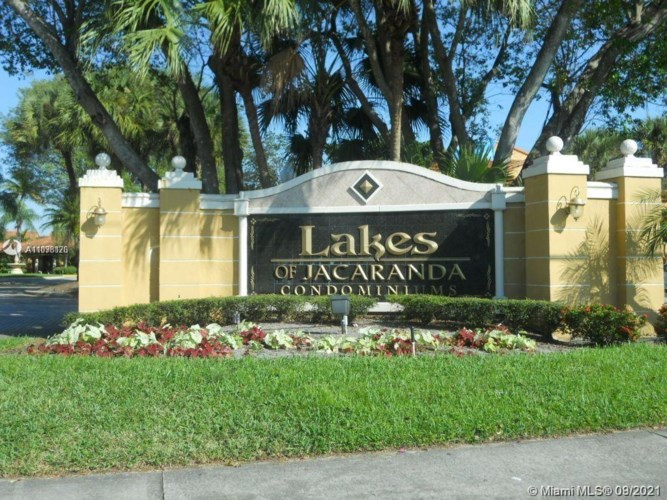 10781 Cleary Blvd  #210, Plantation, FL 33324