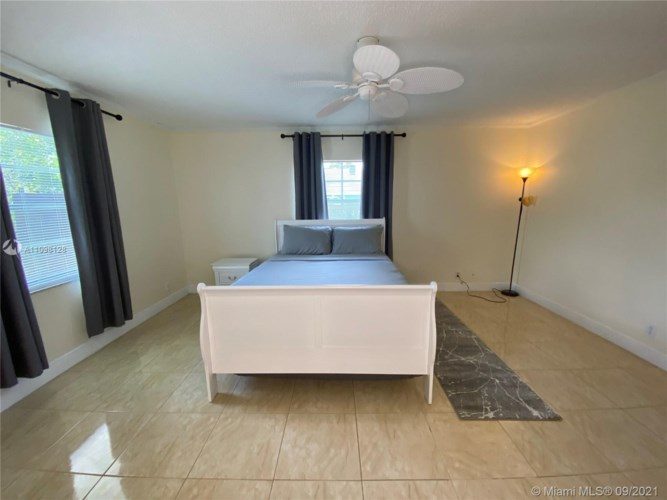 1908 SW 84th Ave, North Lauderdale, FL 33068