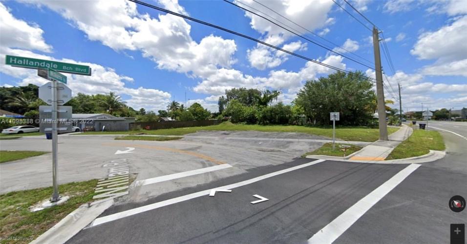 5700 W Hallandale Beach Blvd, West Park, FL 33023