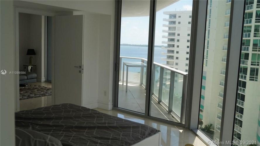 1300 Brickell Bay Dr  #1002, Miami, FL 33131