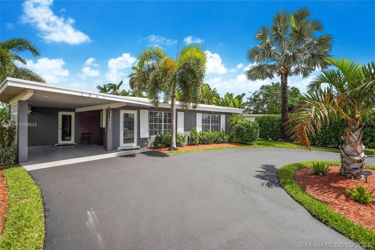 1961 NW 34th St, Oakland Park, FL 33309