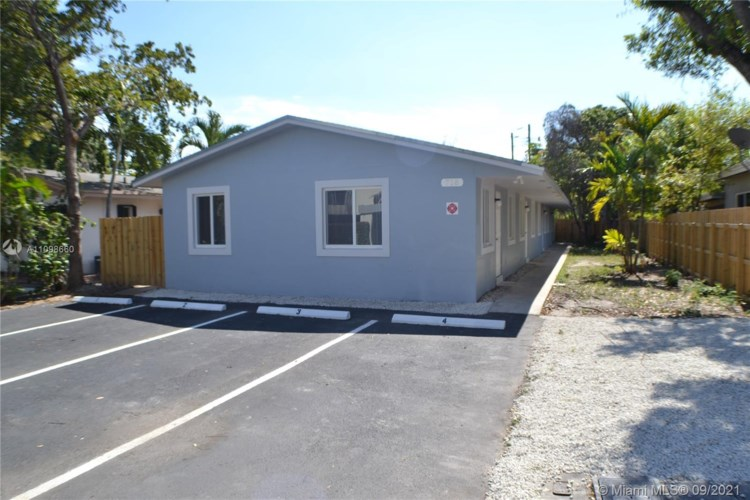 718 SE 13th St  #3, Fort Lauderdale, FL 33316