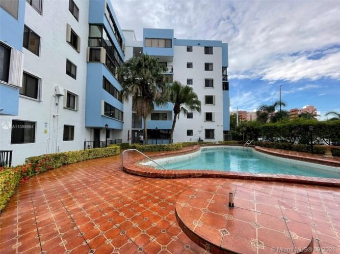 5033 NW 7th St  #106, Miami, FL 33126