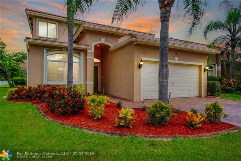 3775 Pebblebrook Ct, Coconut Creek, FL 33073