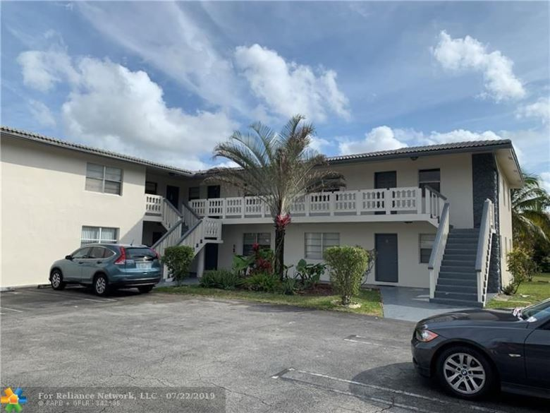8502 NW 35th St, Coral Springs, FL 33065