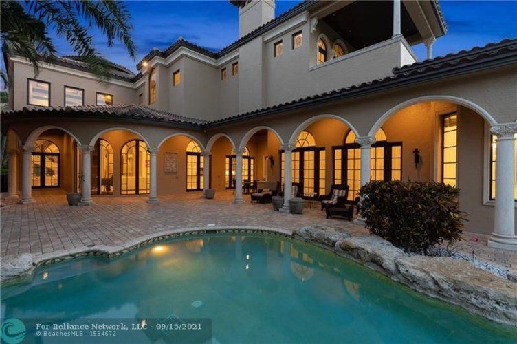367 Mizner Lake Estates Dr, Boca Raton, FL 33432