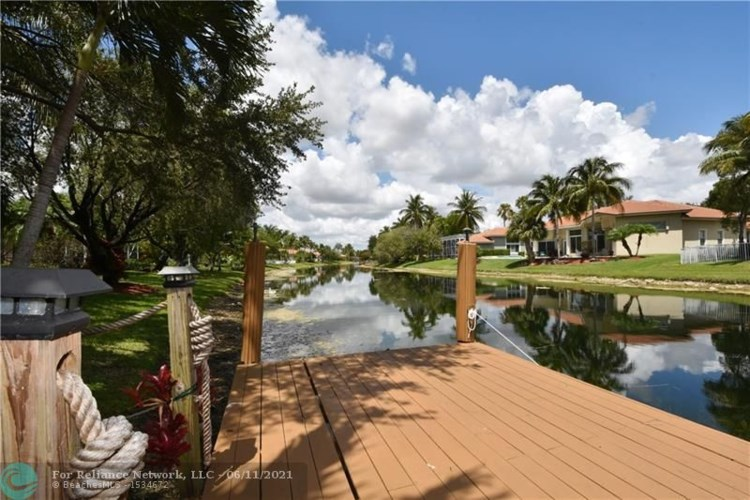 12117 NW 9th Pl, Coral Springs, FL 33071