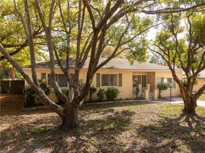S 109 ARCTURAS AVENUE, CLEARWATER, FL 33765