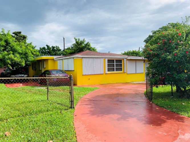 205 NW 6th Avenue, Boynton Beach, FL 33435