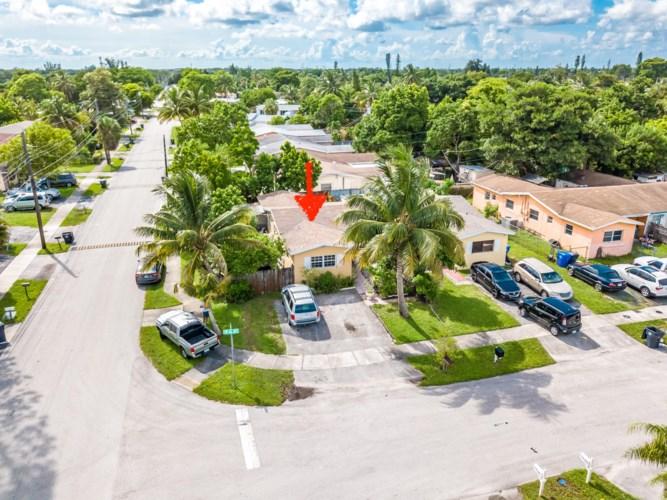 1843 SW 66th Avenue, North Lauderdale, FL 33068