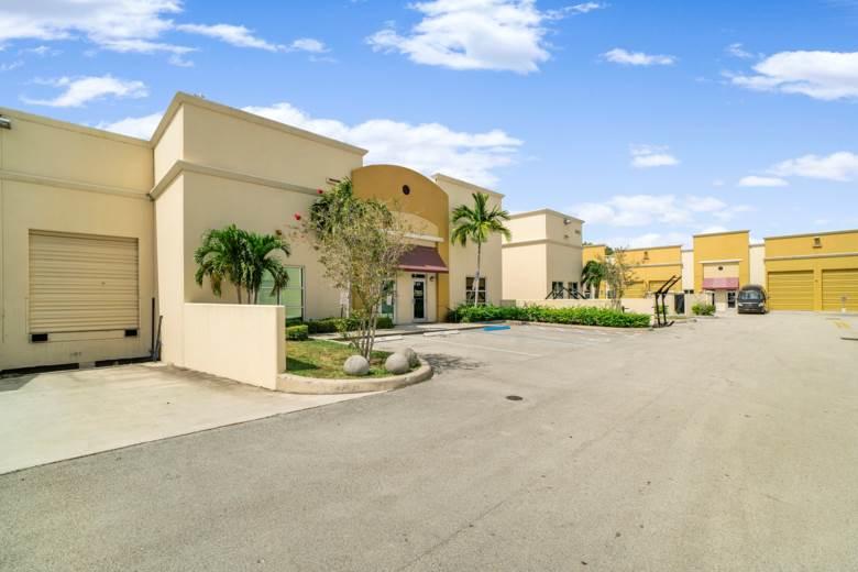 10412 W State Road 84 Unit 104 & 105, Davie, FL 33324