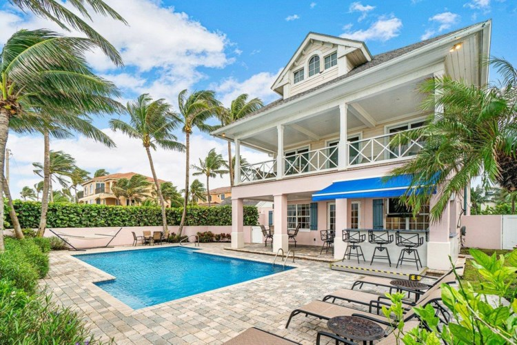 226 S Ocean Boulevard, Delray Beach, FL 33483