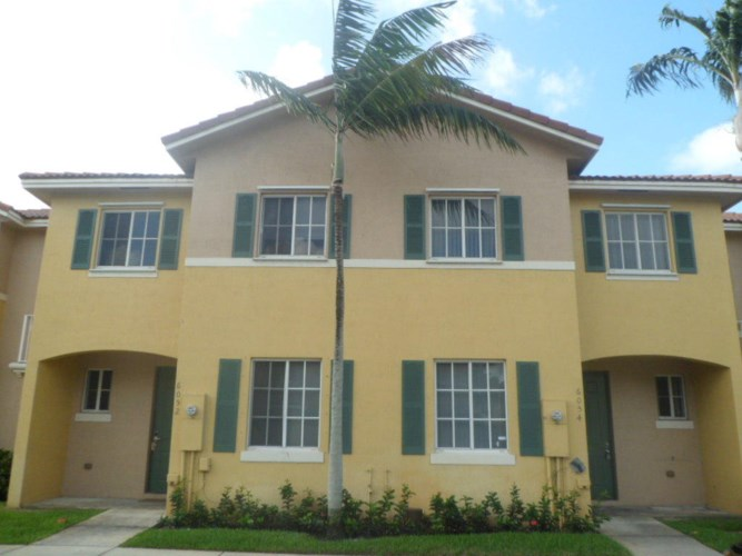 6054 SW 19th Place, North Lauderdale, FL 33068