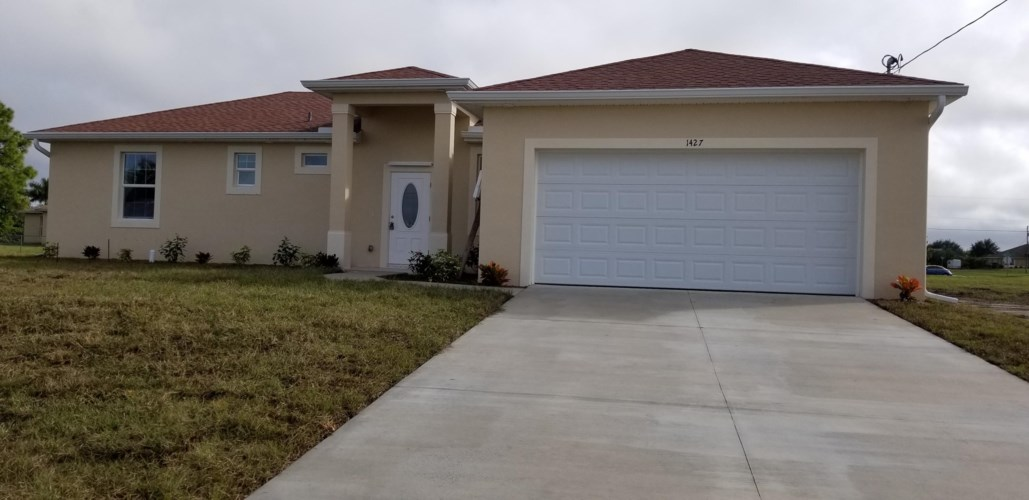 1427 NW 10th Place, Cape Coral, FL 33993