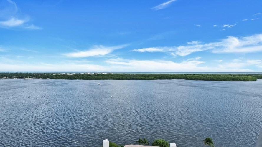 100 Lakeshore Drive Unit 1052, North Palm Beach, FL 33408