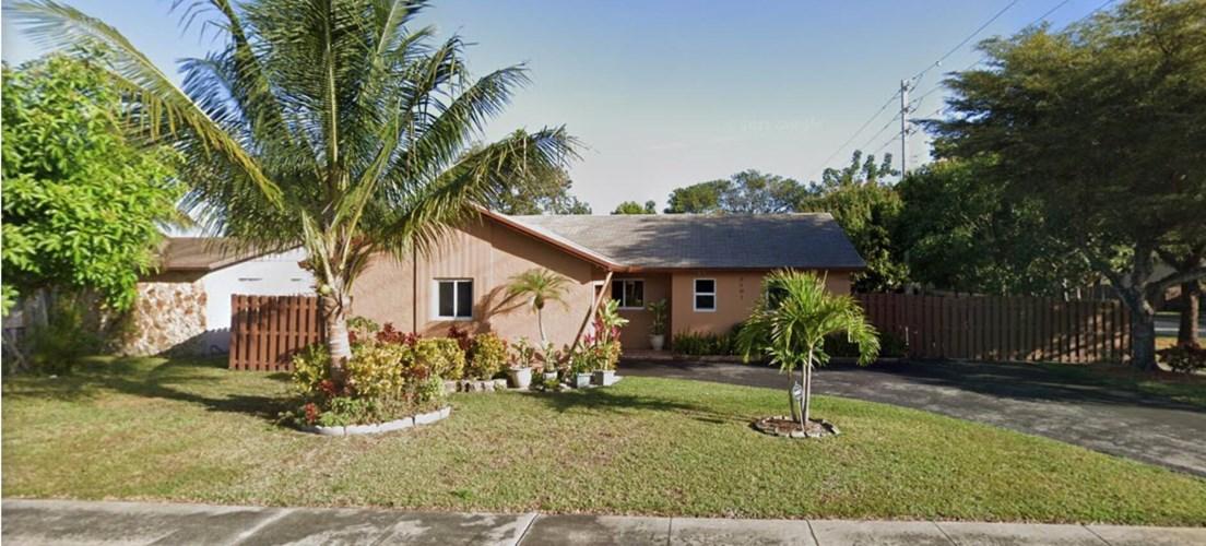 8201 NW 48th Street, Lauderhill, FL 33351