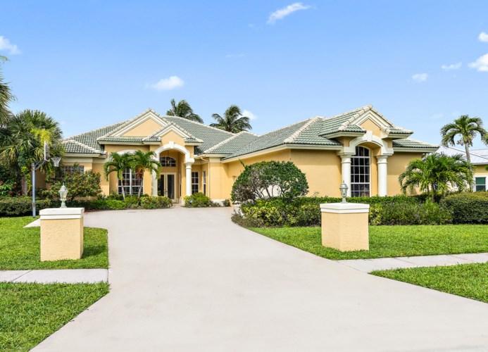 18585 Lakeside Gardens Drive, Jupiter, FL 33458