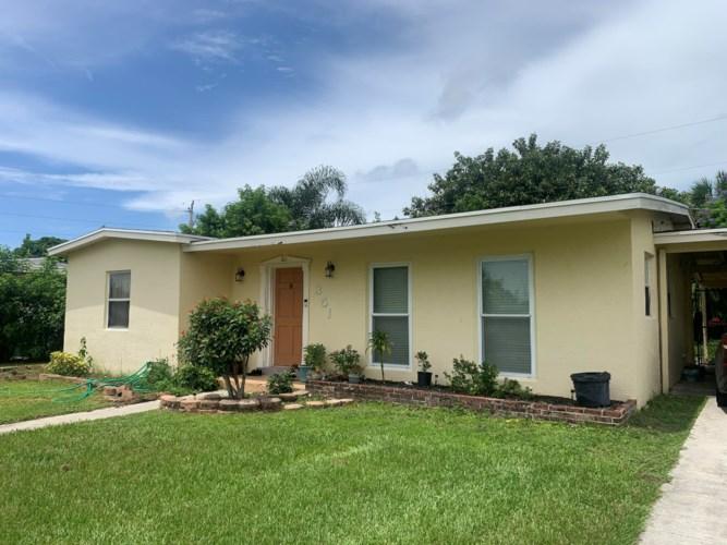 351 SE Solaz Avenue, Port Saint Lucie, FL 34983
