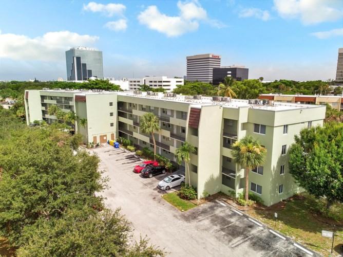 1638 Embassy Drive Unit 307, West Palm Beach, FL 33401