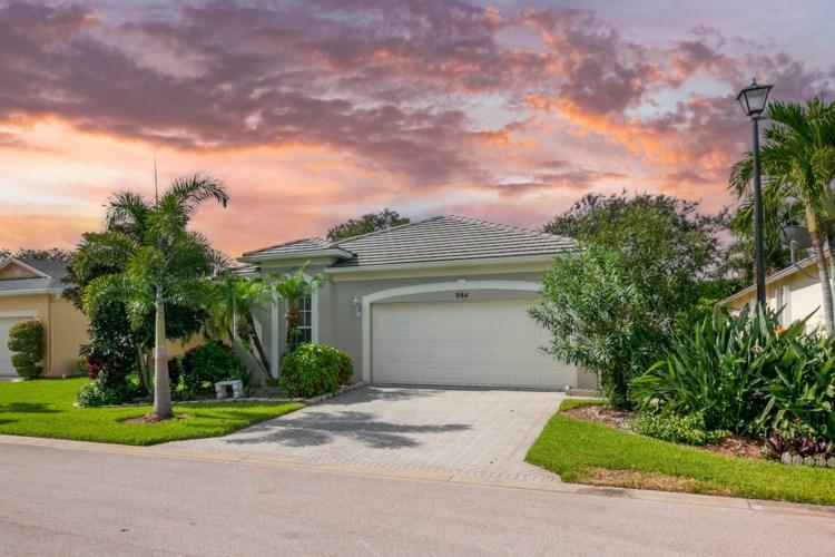 884 SW Rocky Bayou Terrace, Port Saint Lucie, FL 34986