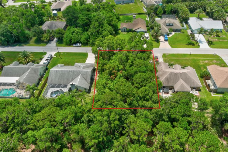 4998 NW Flintstone Avenue, Port Saint Lucie, FL 34983