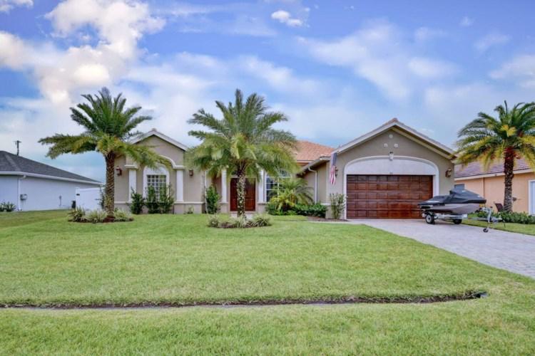 866 SW Mccracken Avenue, Port Saint Lucie, FL 34953