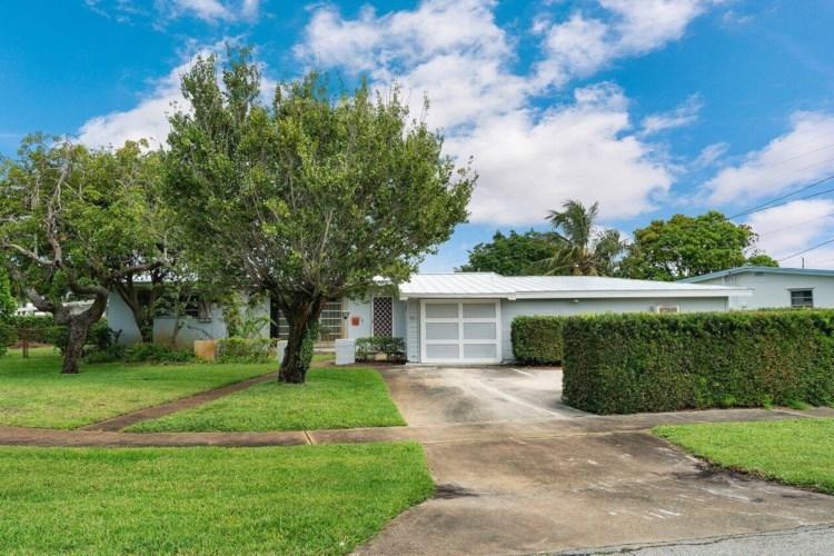 405 Gull Court, North Palm Beach, FL 33408