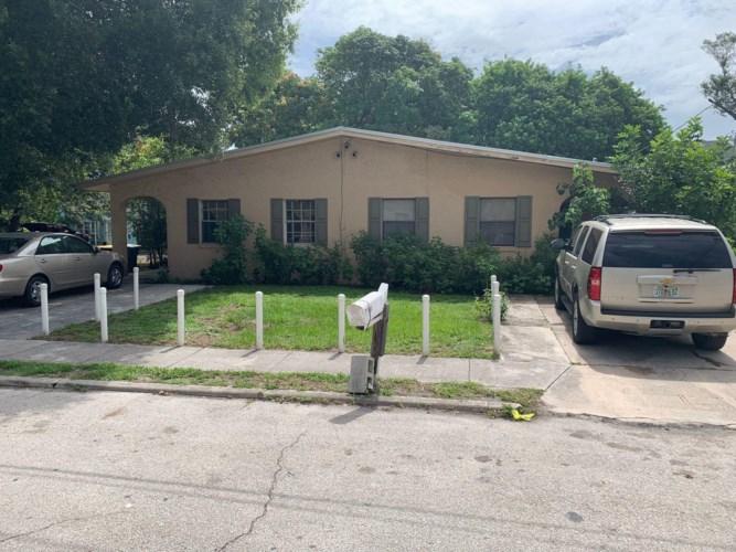 136 Alma Court, Fort Pierce, FL 34950