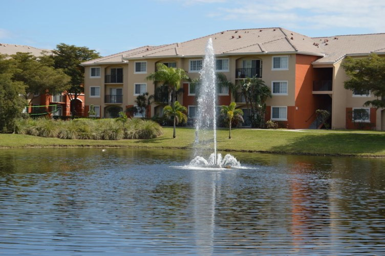 4195 N Haverhill 318 Road Unit 318, West Palm Beach, FL 33417