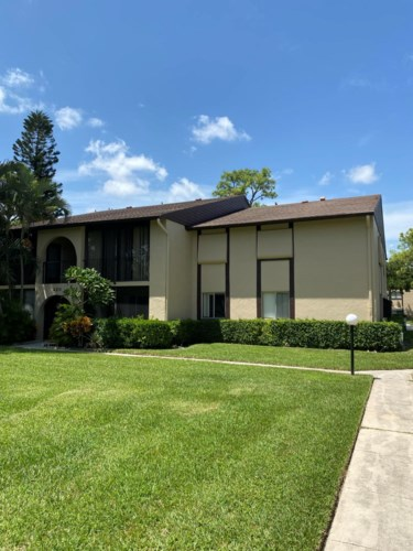 420 Pine Glen Lane Unit B2, Greenacres, FL 33463