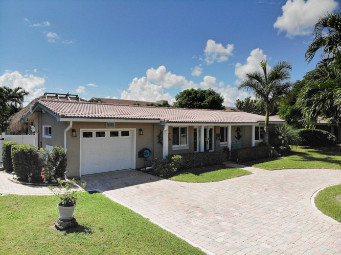 906 SE 8th Court, Deerfield Beach, FL 33441