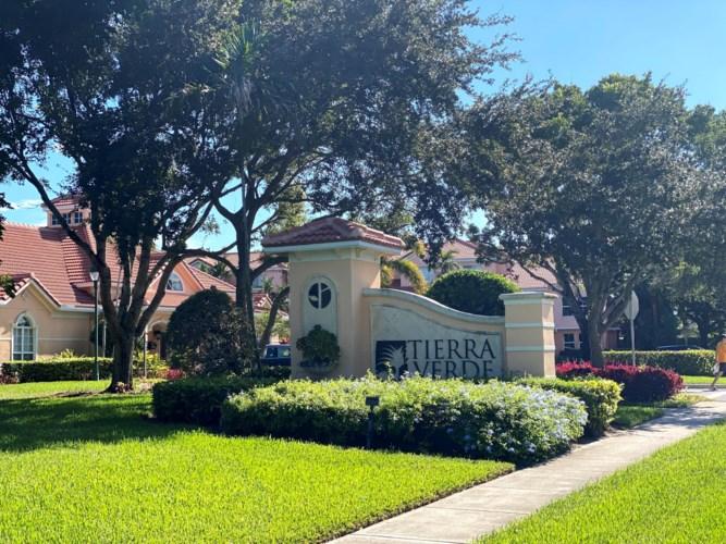 2018 Alta Meadows Lane Unit 405, Delray Beach, FL 33444