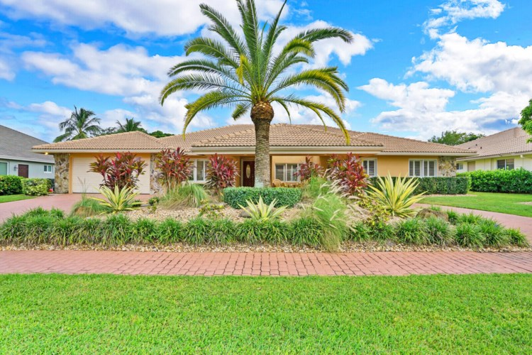 12742 Headwater Circle, Wellington, FL 33414