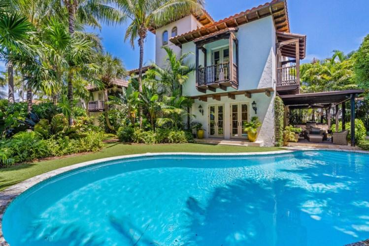 2416 Medina Way, West Palm Beach, FL 33401