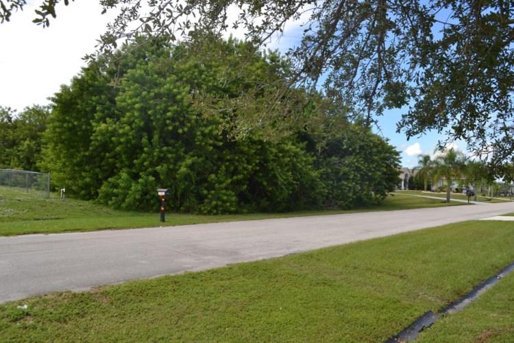 1322 SW Gahaf Avenue, Port Saint Lucie, FL 34953