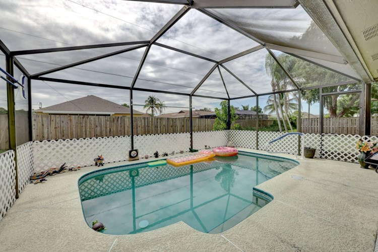 626 SW Sandbar Terrace, Port Saint Lucie, FL 34953