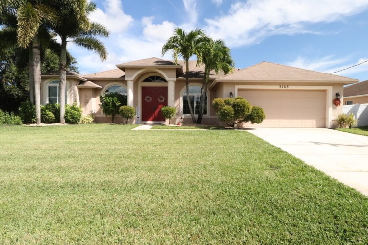 3165 SW Aranda Street, Port Saint Lucie, FL 34953