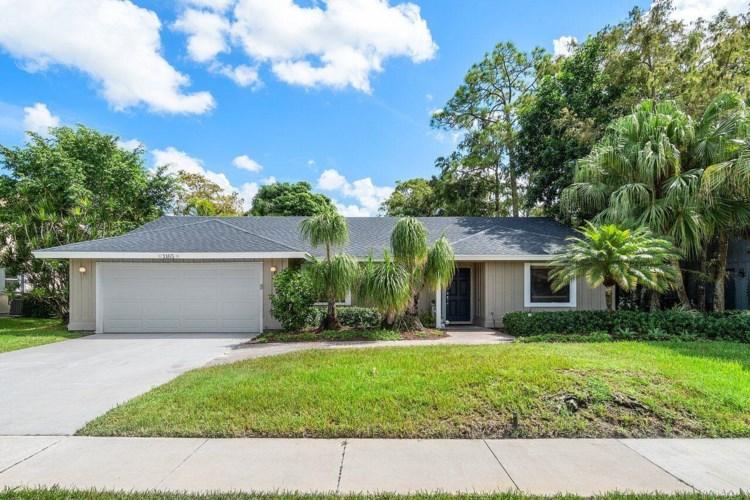 1165 Raintree Lane, Wellington, FL 33414