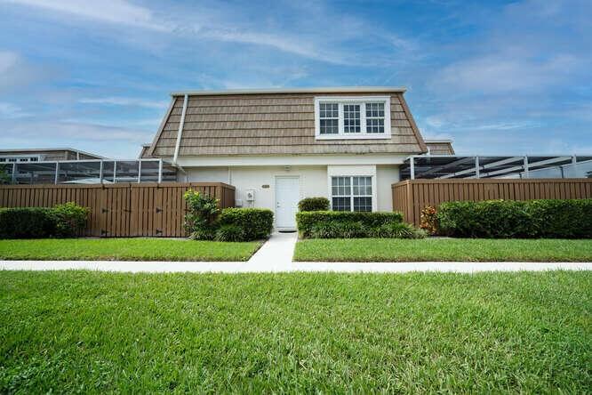 11572 Winchester Drive, Palm Beach Gardens, FL 33410