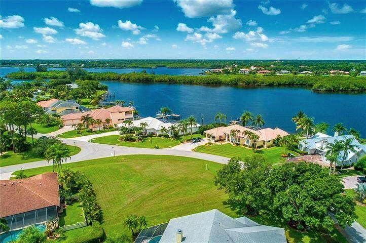 3290 SE River Vista Drive, Port Saint Lucie, FL 34952