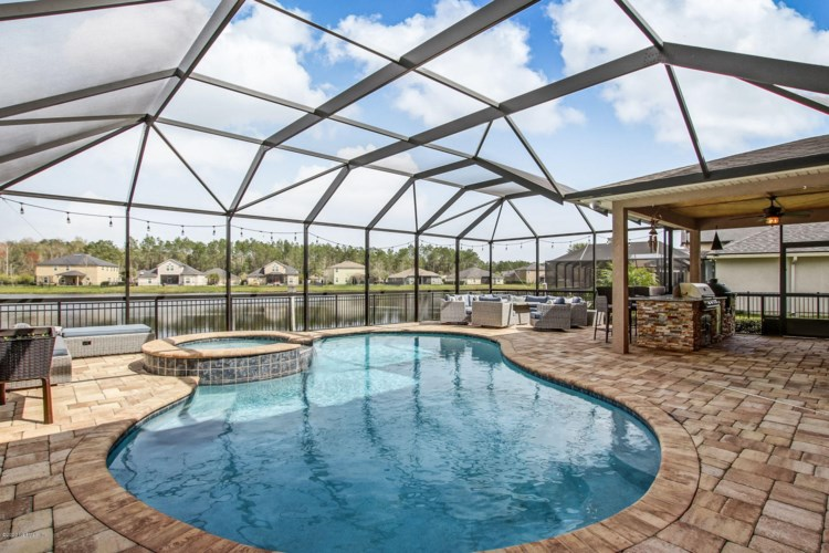 738 W KINGS COLLEGE DR, ST JOHNS, FL 32259