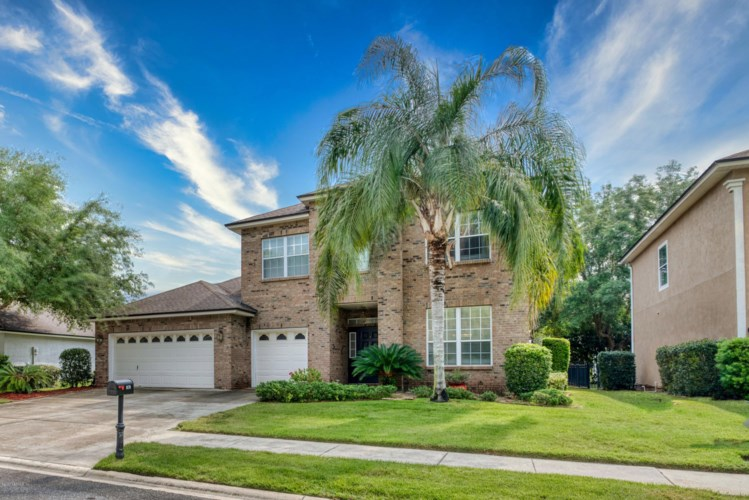 1579 MAJESTIC VIEW LN, ORANGE PARK, FL 32003